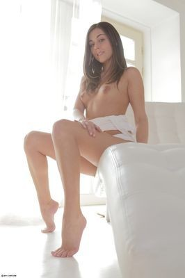 escort girl Stella